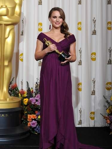 La actriz estaba embarazada de su primer hijo quien tuvo con el coreógrafo de la película