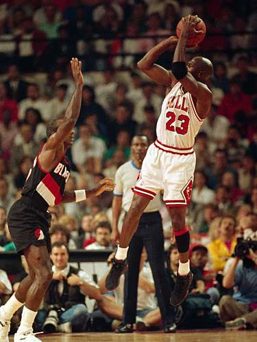 3. Jordan goes wild: Jordan put Game 1 of the 1992 Finals against Portland away early, scoring a record 35 first-half points and hitting a record six three-pointers. Following his final three, Jordan turned to the announcers table and simply shrugged, adding another indelible image to his legacy.
