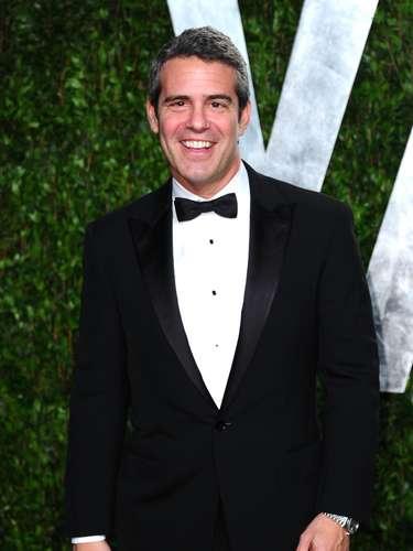 Andy Cohen, uno de los conductores gay más populares de la TV anglosajona, posa en la fiesta de la revista Vanity Fair, uno de los eventos alternos a la entrega del Oscar a la que casi ningún famoso se puede resistir.