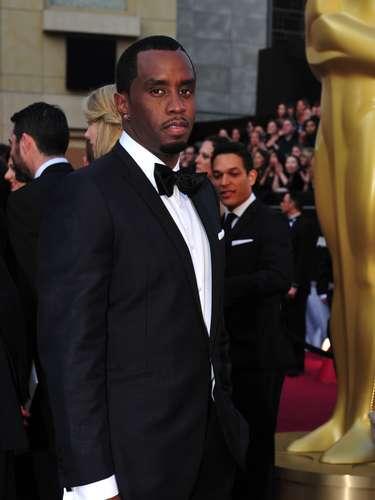 Sean Diddy Combs o P. Diddy, como también se le conoce, jamás ha llegado mal arregldo a un evento. La entrega del Oscar, no ha sido la excepción.