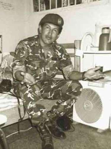 El presidente de Venezuela, Hugo Chávez, aparece en su celda durante su período en la cárcel de Yare (1992-94).