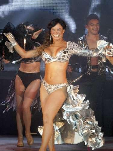 La cubana mueve sus caderas y su cuerpo al son de la música dejando en claro que es una excelente bailarina