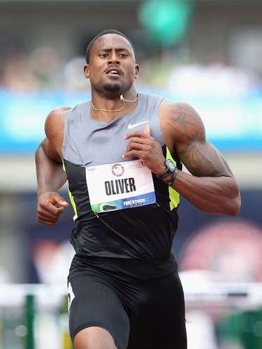 El poseedor de la tercera marca de los 100m vallas de la historia, el estadounidense David Oliver, no sólo demostró su talento con la medalla de bronce en Pekín 2008, sino que brilla como uno de los más apuestos e interesantes en las pistas del mundo.