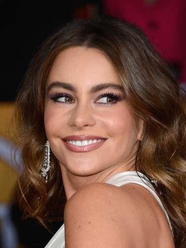 Sofía Vergara debuta con las demás 'cuarentonas'. La colombiana apenas tiene 40 añitos pero ni señales da que tenga esa edad