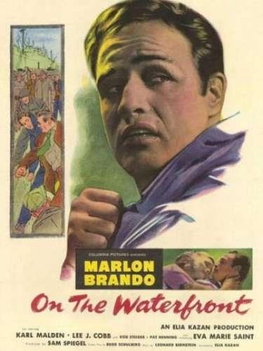 En 1954 el dramaOn the Waterfront, del directorElia Kazan, fue la cinta galardonada como la mejor del año.