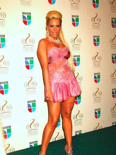 Lorena Herrera en 2009 no se complicó ni se tapóy usó algo de \