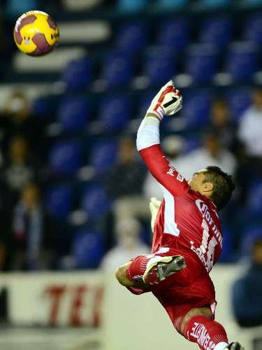 Christian Martínez también tiene su cuota de valía y experiencia, misma que pone en prácticabajo los tres postes de la 'Fiera'.