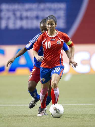 Shirley Cruz (Soccer-Costa Rica): This beautiful midfielder for Olympique Lyon crossed racial barriers by playing in Europe. In 2012, she won the women's Champions League with Lyon.