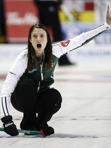 Prince Edward Island skip Suzanne Birt reacts after she throws a rock against Quebec during the eighth draw at Scotties Tournament of Hearts curling championship in Kingston, February 19, 2013.    REUTERS/Mark Blinch (CANADA - Tags: SPORT CURLING)
