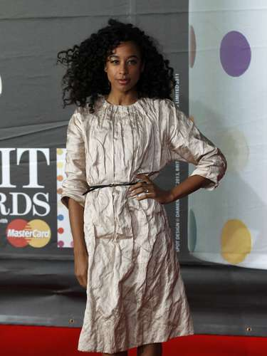 Corinne Bailey Rae arrives for the BRIT Awards, celebrating British pop music, at the O2 Arena in London February 20, 2013. REUTERS/Luke Macgregor (BRITAIN  - Tags: ENTERTAINMENT)