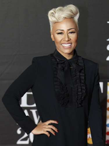 Singer Emeli Sande arrives for the BRIT Awards at the O2 Arena in London February 20, 2013.   REUTERS/Luke Macgregor (BRITAIN  - Tags: ENTERTAINMENT SOCIETY)