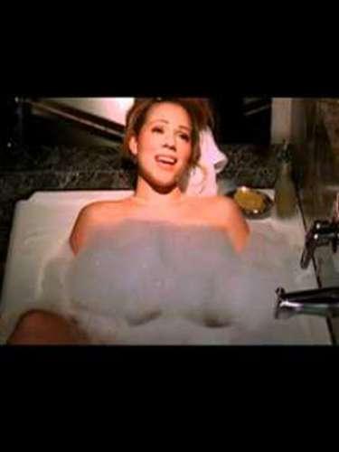 Mariah Carey fue pionera en las artes de protagonizar un caliente baño, cuando en el año 1998 lanzó el clip \
