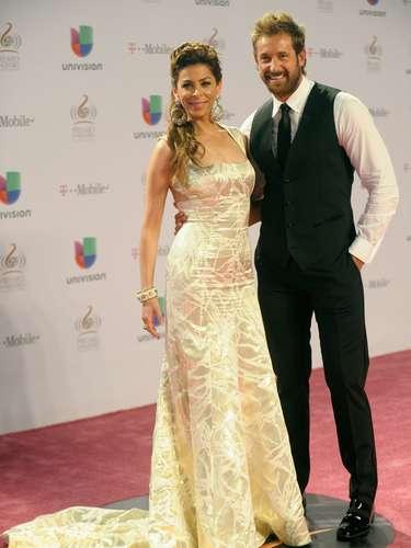 Lourdes Stephen llego junto a Gabriel Soto a la premiación.