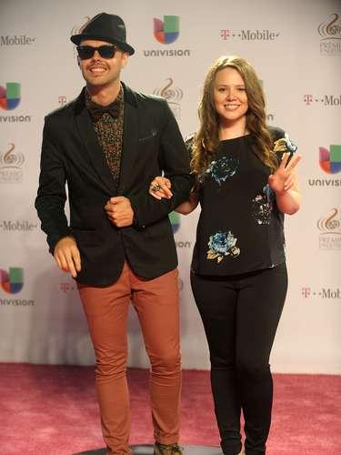 El dúo dehermanos mexicanos Jesse and Joyjuntos en laalfombra roja de los PLN25.