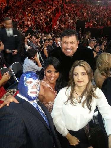 @maripilyrivera: Disfrutando #Premios Lo Nuestro junto a @luzmaecheverry @SamyFromMiami @bluedemonjr