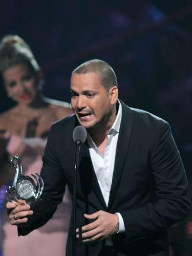 Conmovedor fue el discurso del cantanteVíctor Manuelle, galardonado con el premio Artista Salsa del Año, al ofrecer su distinción a su padre, quien padece una enfermedad por la que ha perdido la memoria.