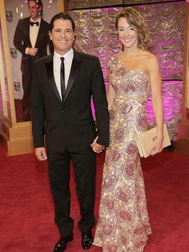 Carlos Vives llegó muy bien acompañado junto a su esposa la Ex Miss Colombia Claudia Elena Vásquez.