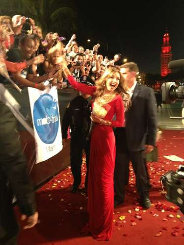 OMG @thalia luce bellísima sobre la alfombra roja