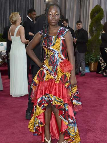 Peor Vestidas. La actrizcongoleña, Rachel Mwanza, lució un modelo excesivamente llamativo y colorido así como poco acertado para este evento.