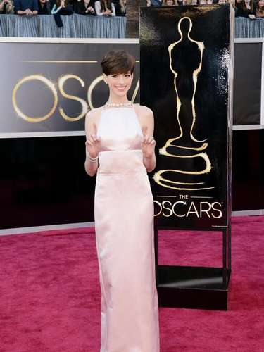 A través del vestido se podía ver el cuerpo desnudo de la actriz