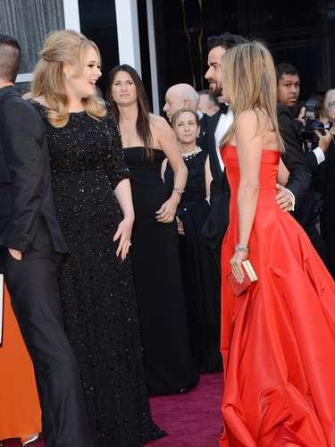 Jennifer Aniston y Justin bromearon con Adele en la \