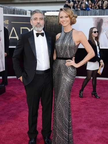 George Clooney no logró dejar la moda de la barba crecida para asistir a la premiación.
