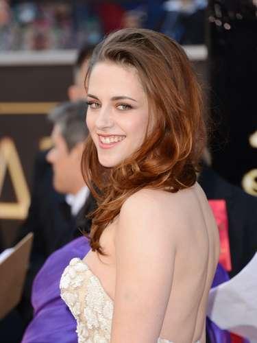 Kristen Stewart parecía muy entusiasmada de asistir a los premios ¿Donde estará Rob Pattinson?