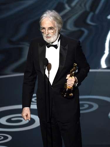 El directorMichael Haneke aceptó con mucha humildadel galardón a Mejor Película Extranjera por 'Amour'.