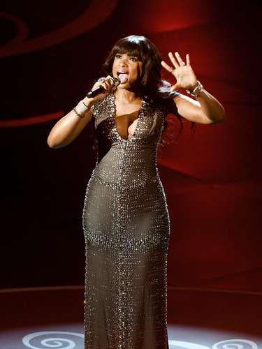 El público no paró de aplaudir el gran desempeño vocal que realizó esta gran diva de la música.