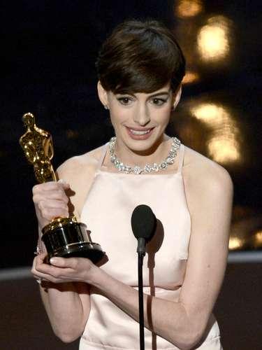 La actrizAnne Hathaway salió victoriosa como Mejor Actriz de Reparto, por su impecable desempeño en la afamada cinta 'Los Miserables'.