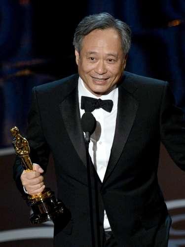 La categoría de Mejor Director fue una de las pocas sorpresas de la noche. El favorito, Steven Spielberg, se fue con las manos vacías mientras queAng Lee subió al podio por su impecable trabajo en 'Life of Pi'. Sus primeras palabras fueron: Gracias al dios del cine.