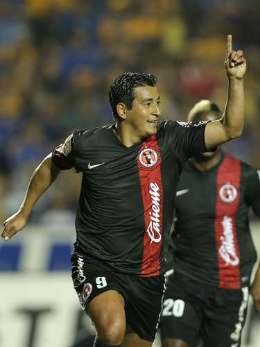 Alfredo Moreno. CLub: Xolos. Place of Birth: Santiago, Argentina.