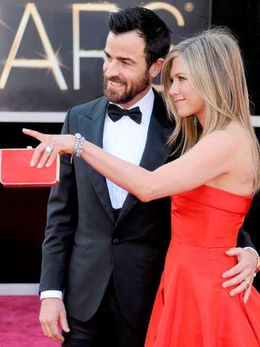 Aniston lució notablemente feliz junto a su prometido, Justin Theroux, en la alfombra roja de la gala de los últimos Premios de la Academia. ¿Volveremos a verla así?