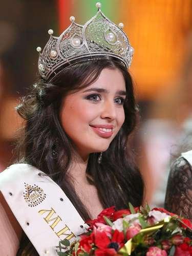 Ella deberá representar al país en los certámenes de Miss Universo y Miss Mundo, respectivamente, que tendrán lugar a lo largo de este año.