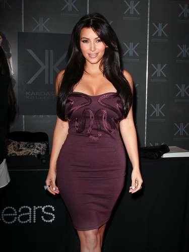 La cinta fue distribuida por Vivid Entertainment luego de que Kim la perdiera en un trasteo. Para la compañía ha sido un excelente negocio. Tanto que se dio el lujo de pagarle a Kim, USD$3 millones de dólares, por retirar la demanda y dejarles la distribución.