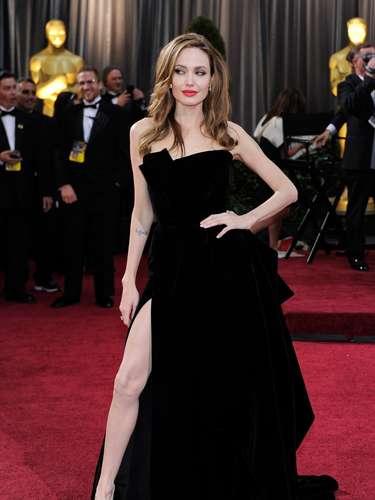 En 2010, se habló de un supuesto video erótico que Angelina Jolie habría logrado interceptar para evitar su publicación