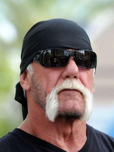 En un gran problema se metió Hulk Hogan cuando apareció teniendo sexo con una misteriosa morena