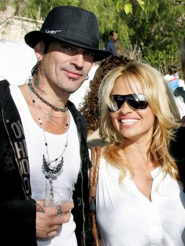¿Quién no se acuerda del video de Pamela Anderson con Tommy Lee? En 1998, Pamela le dio la vuelta al mundo con las candentes imágenes.