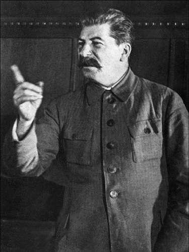 El cuerpo del también líder comunista Joseph Stalin fue embalsamado en 1953 y compartió espacio junto al de Lenin, pero fue movido a una tumba en la década de los 60.