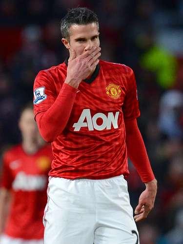 2. El segundo lugar es para el delantero holandés del Manchester United, Robin van Persie, quien lleva 19 goles esta temporada. Este fin de semana no anotó.