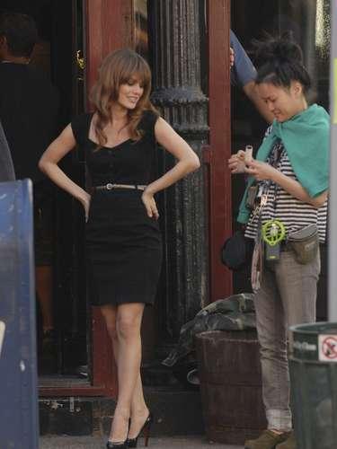 A simple vista, Rachel Bilson luce como una mujer perfecta que hasta dudaríamos que usara spanx
