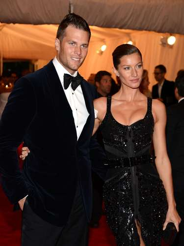 Tom Brady y Gisele Bündchen: El quarterback de los Patriots de Nueva Inglaterra y la supermodelo brasileña es una de las más destacadas de este listado, quienes están juntos desde 2006, se casaron en 2009, y tienen dos hijos, Benjamin Rein y Vivian Lake.