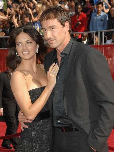 Marko Jaric y Adriana Lima: El ex jugador serbio de la NBA y la top-model brasileña, famosa por su trabajo con Victoria's Secret, están casados desde San Valentín de 2009, después de tres años de noviazgo. La pareja tiene dos hijas, Valentina y Sienna.