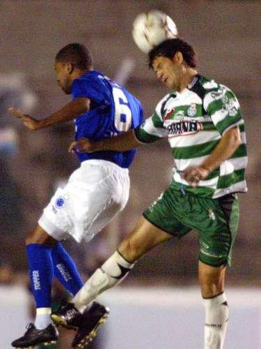 2004 - Cruzeiro 1-1 Santos Laguna - Fase de Grupos