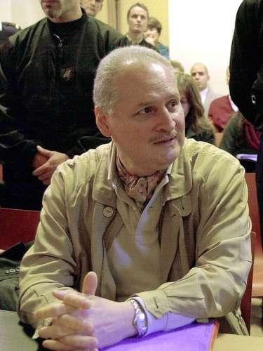 Tras ser expulsado, se trasladó a Jordania donde logró con base en los contactos realizados en Moscú, obtener un cupo para ingresar en un campo de entrenamiento en acciones militares en 1970.