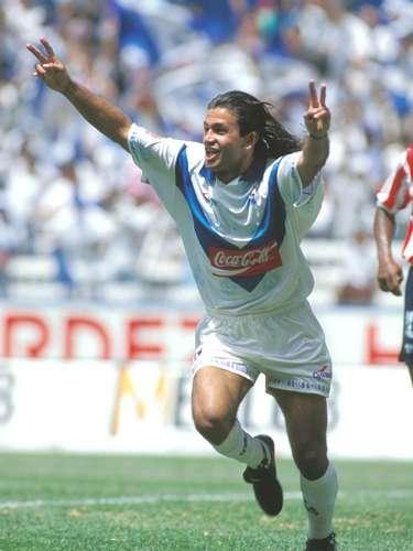 El chileno Richard Zambranoera el 'cómplice' ofensivo de Butragueño.
