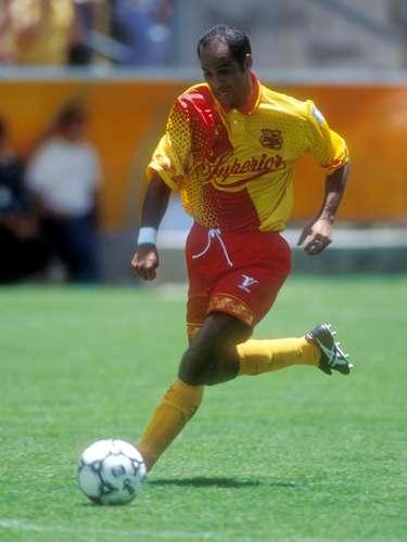 Marco Antonio 'Fantasma' Figueroa, leyenda del Morelia, hizo goles en el ocaso de su carrera para el Celaya, su último equipo en México.