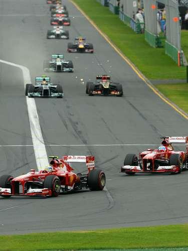 Los Ferrari de Massa y Alonso fueron líderes en algún momento de la carrera.