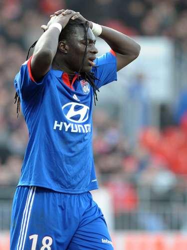 3. El tercer lugar es para el delantero francés del Olympique de Lyon, Bafétimbi Gomis, que lleva 12 goles esta temporada. Este fin de semana no anotó.