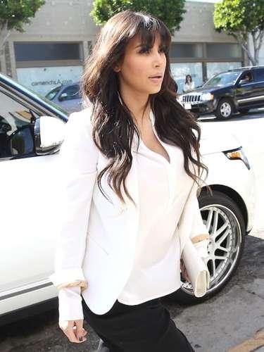 Durante su embarazo, la novia de Kanye West ha hecho de todo para no perder su escultural figura y verse bien. Hasta volvió a impactar cuando publicó en su cuenta de Twitter. Luego de asesorarse por sus propios seguidores de la red social:  \